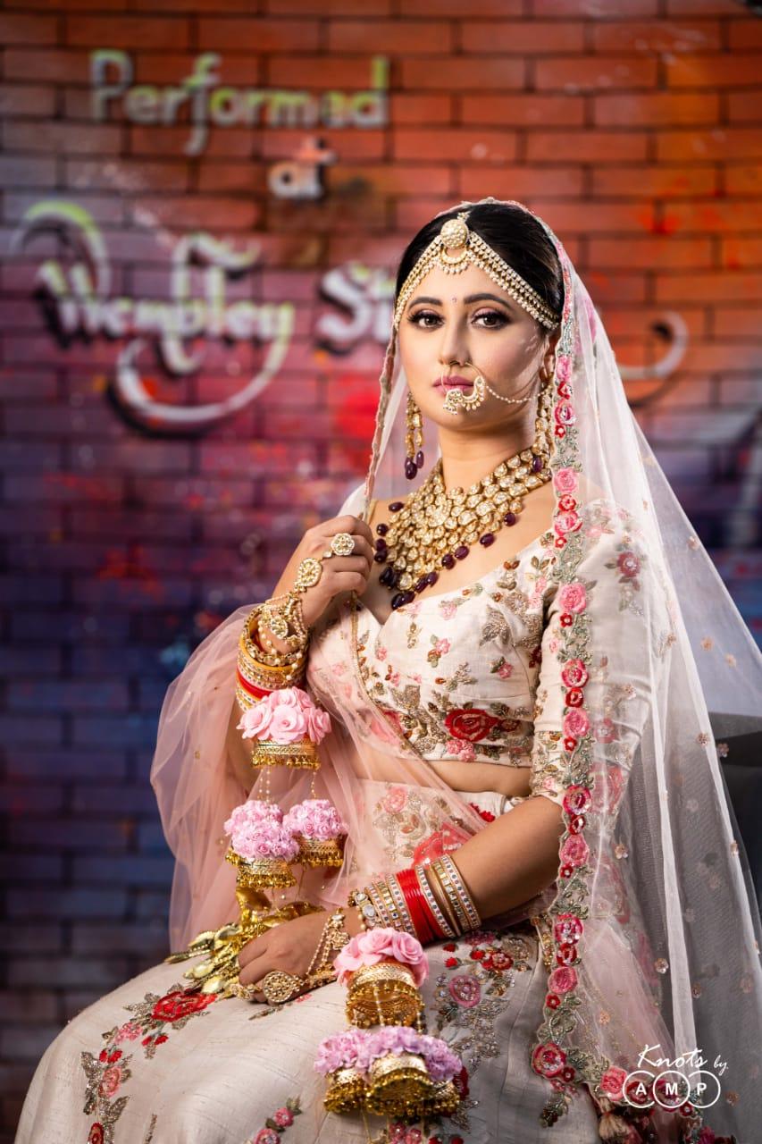 Actress Rashami Desai in Maathapatti by Shobha Shringar Jewellers -01