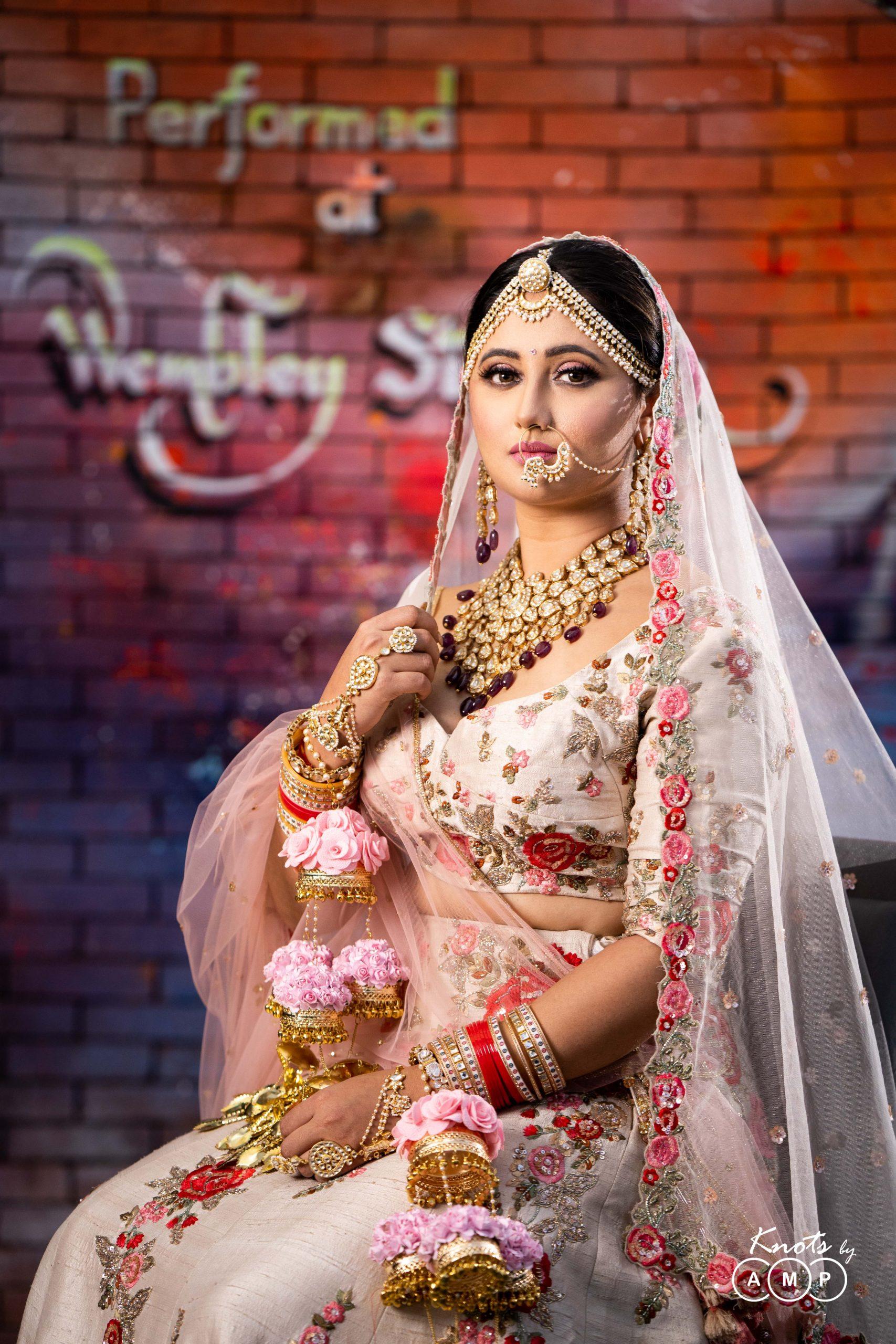 Actress Rashami Desai in Maathapatti by Shobha Shringar Jewellers -03
