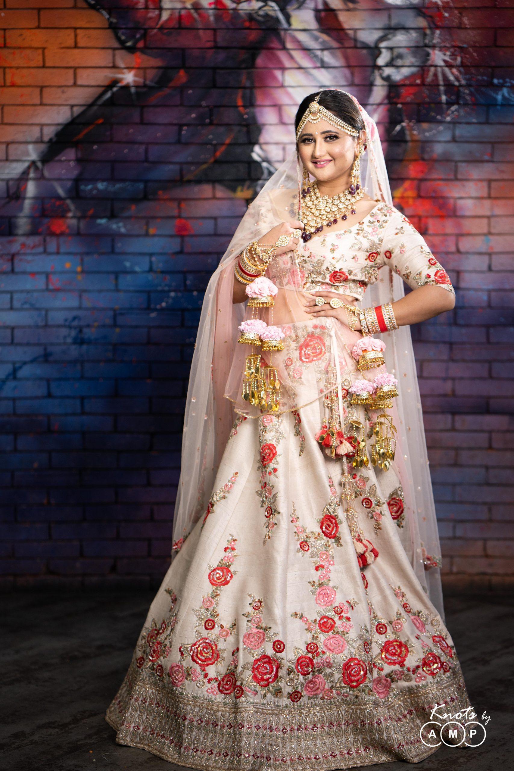 Actress Rashami Desai in Maathapatti by Shobha Shringar Jewellers -06