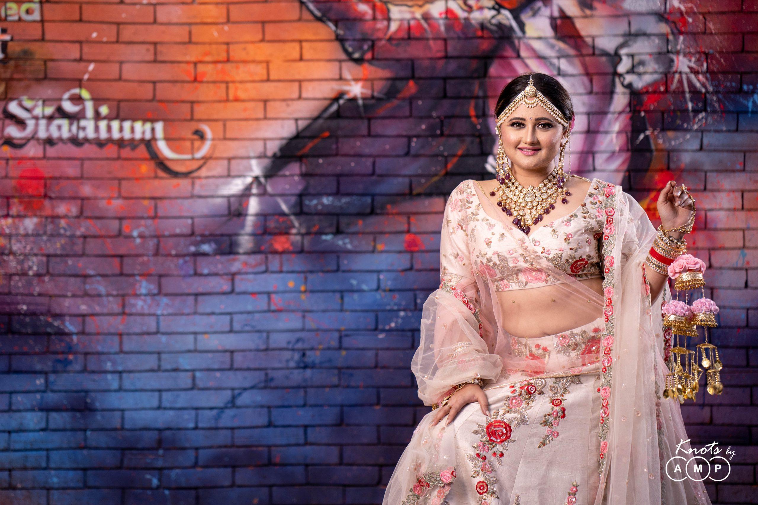 Actress Rashami Desai in Maathapatti by Shobha Shringar Jewellers -12